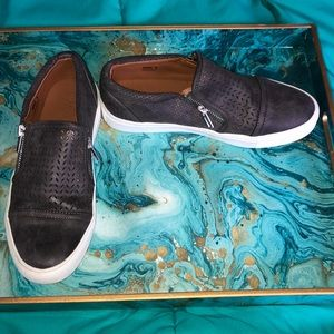 Report Alexa Perforated Zip Sneaker Size 8